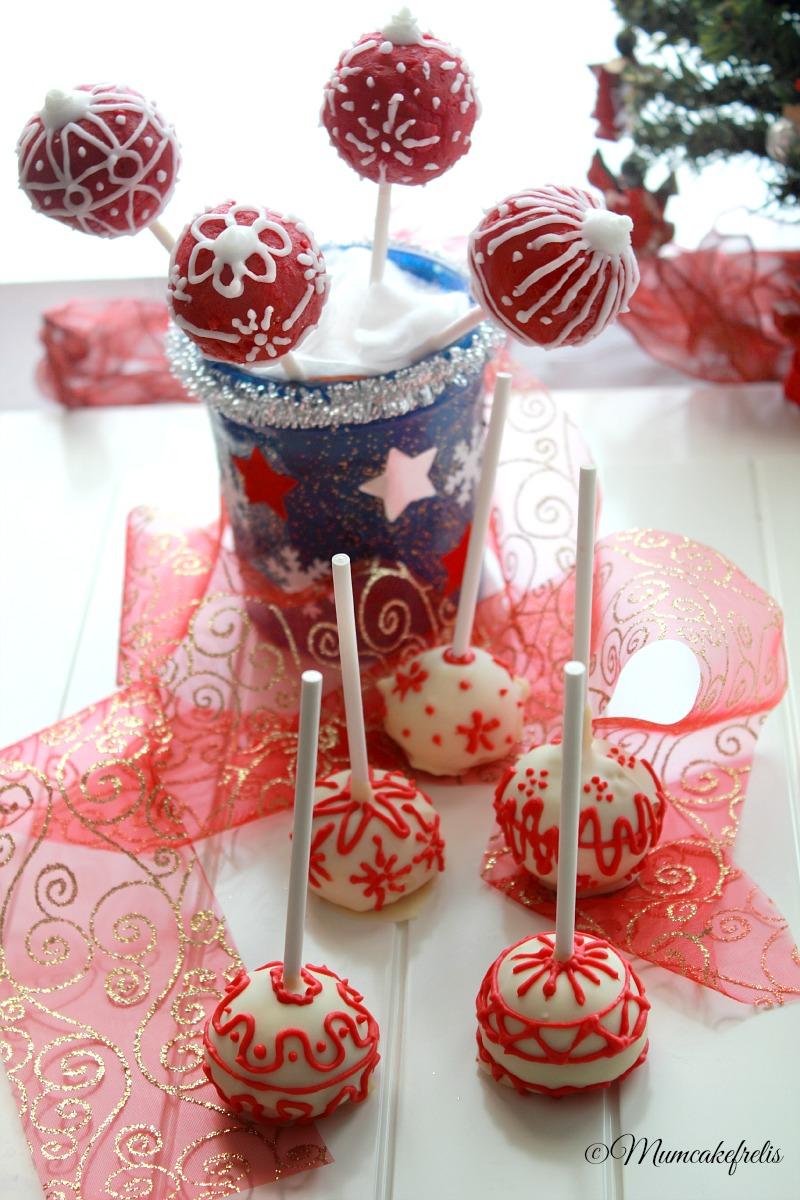 cakepops natalizi bianchi e rossi