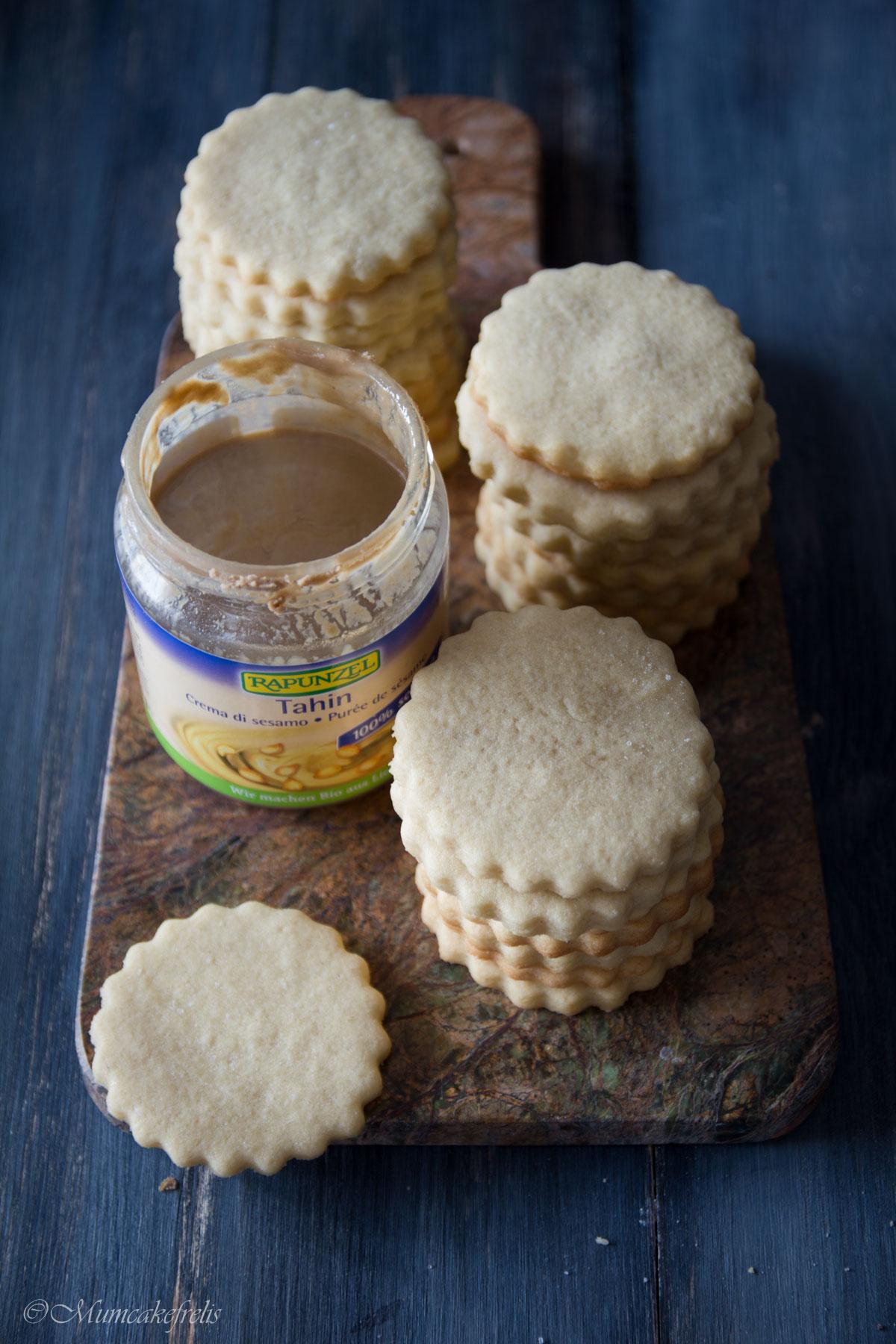 biscotti con thaina, come realizzarli in 2 versioni