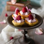 mini dolcetti, cartellette, con rose