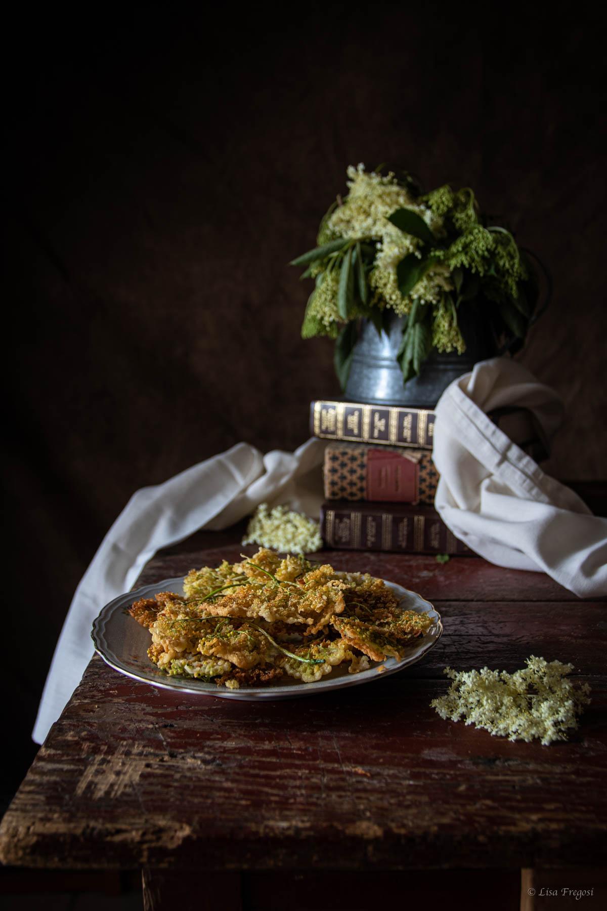 frittelle con fiori di sambuco