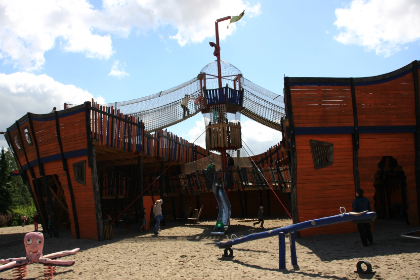 Amy loved the pirate ship adventure playground at Vogelpark Marlow