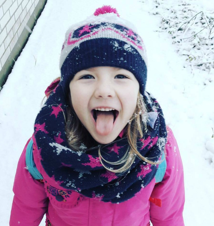 amy in the snow 2017 living arrows