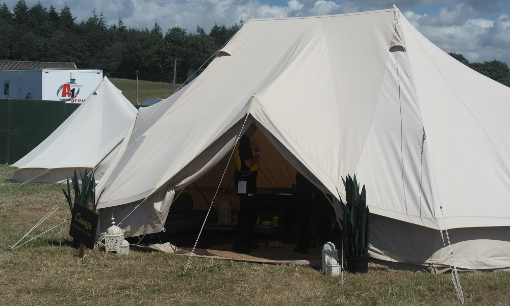 Hotel Bell Tent Lounge
