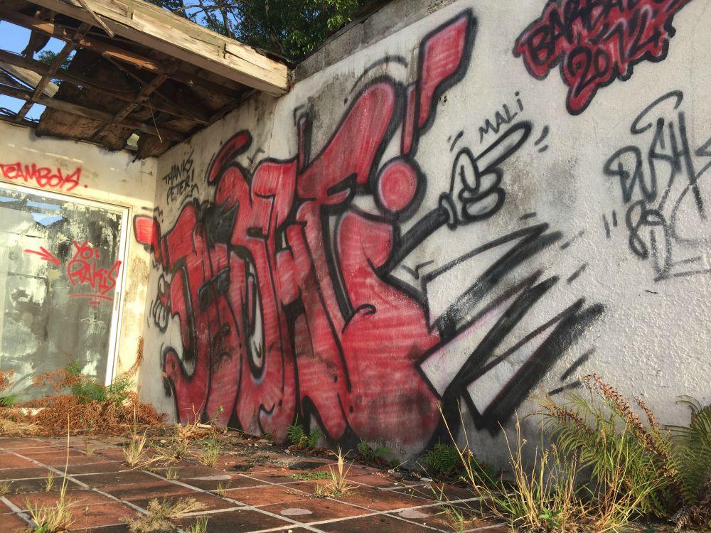 Holetown Grafitti