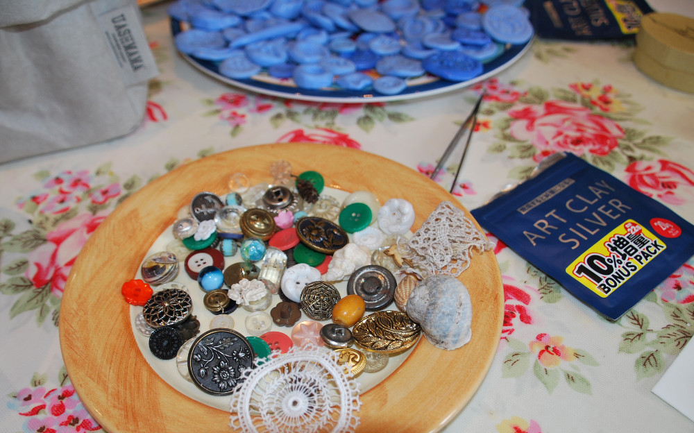 items suitable for silver moulds