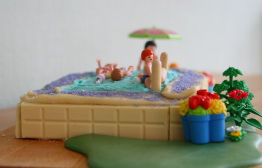 swimmingpoolcake6