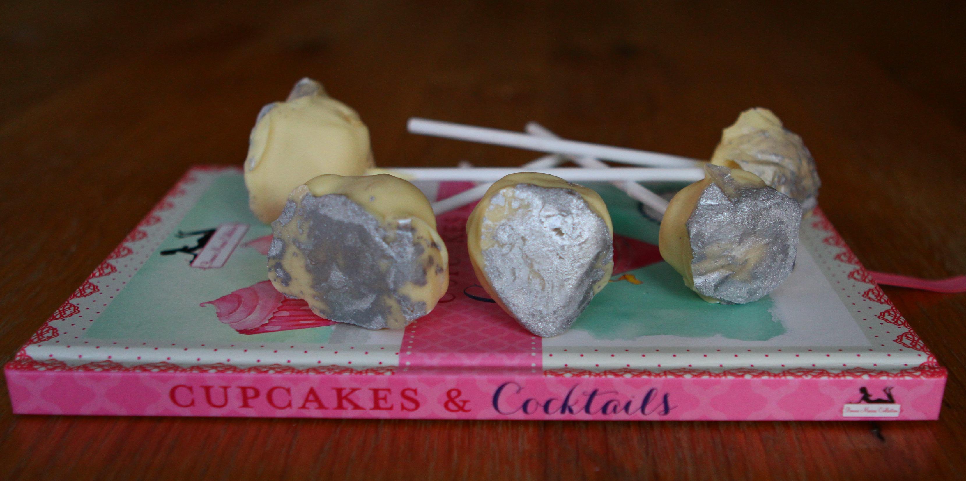 Baileys & White Chocolate Cream Pops