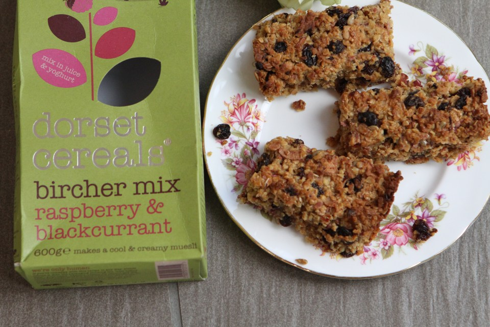 Raspberry & Blackcurrant Dorset Cereal Flapjacks @Degustaboxuk