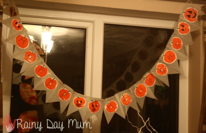 Make Your Own Halloween Bunting