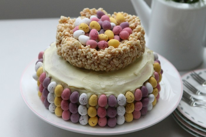 Mini egg Easter nest cake