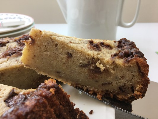 Slow Cooker Mars Bar and Banana Cake
