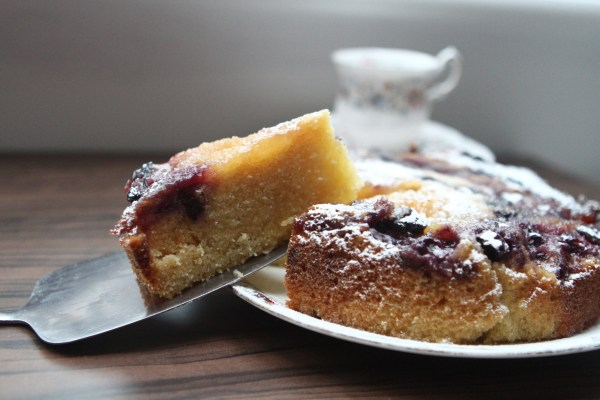 Slow Cooker Blueberry, Lemon & Ginger Cake