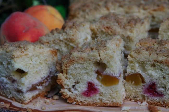Peach Melba Crumble Traybake #GBBO #CakeWeek