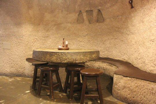 gran-canaria-mountains-cave-restaurant