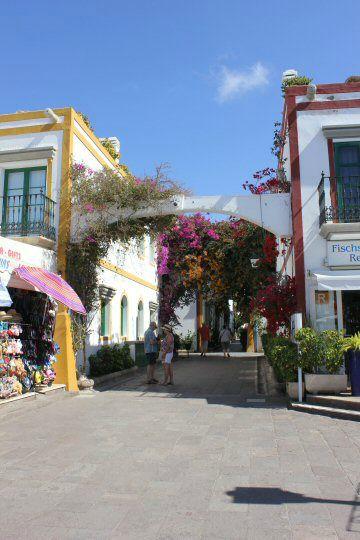 gran-canaria-puerto-mogan-street4