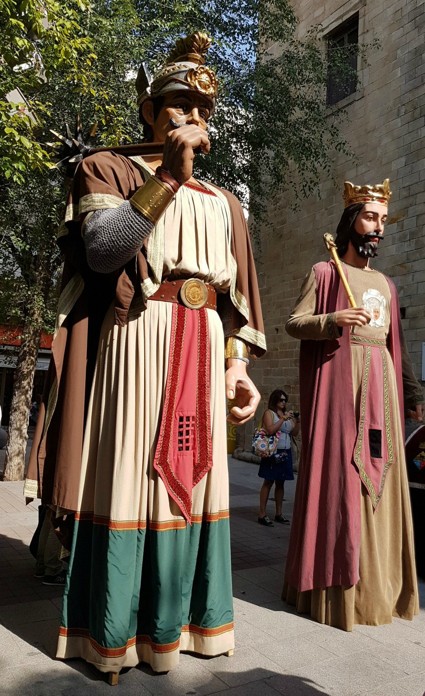 The traditional giants at Calella's Festa Major. My photo tour of Costa Barcelona