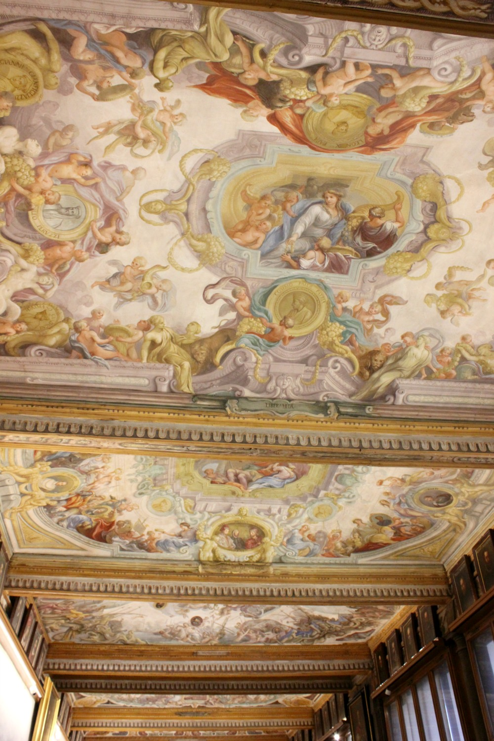 Decorative ceiling in the Uffizi gallery in Florence, Italy - my Uffizi tour with kids and gelato making day in Florence