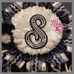single homecoming mum by mums and kisses