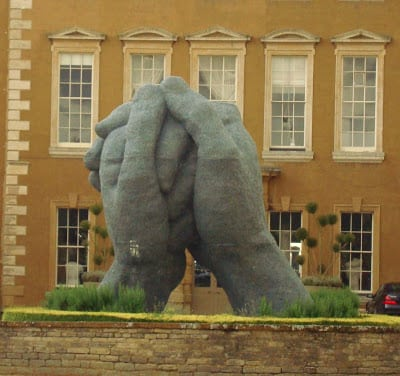 Sophie Ryder's sculpture, The Kiss, at Aynhoe Park