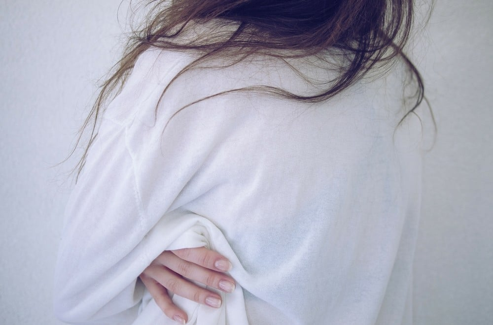 Morning sickness can make the first trimester pregnancy - and sometimes all the early months - truly miserable. Luckily there are loads of natural remedies and cures for morning sickness that help ... certain foods that help, nausea pops, essential oils... here is a roundup of 30 natural remedies to try to help aleviate your morning sickness symptoms #morningsickness #pregnancy #firsttrimester