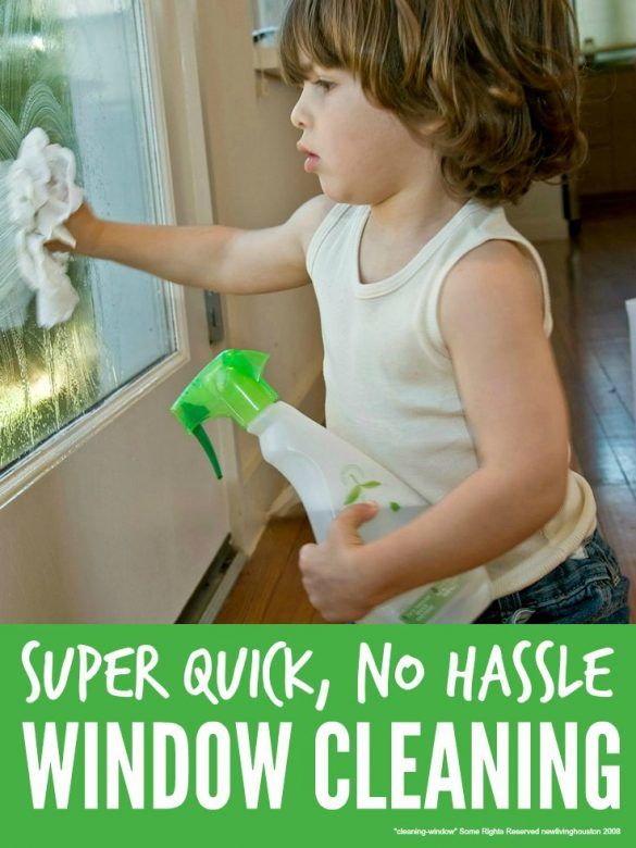 Clean windows quickly and naturally ... the no hassle way to clean windows super quickly without nasty chemicals. #Cleaning #CleaningTips #CleaningHacks #CleaningTricks #GreenCleaning #housework #houseworktips #householdhacks #Greenclean #Greencleaners