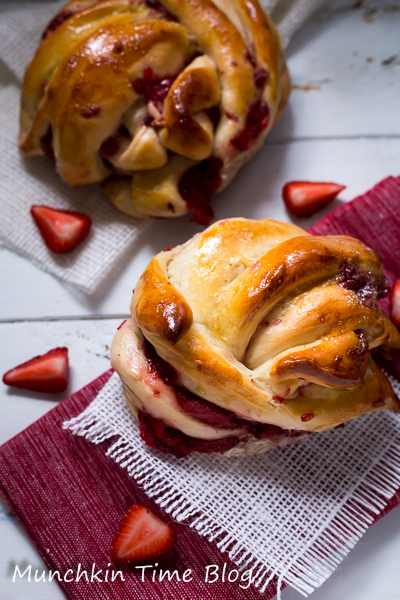 Strawberry Nutella Twists From Scratch #twists #nutella #strawberry #dessertrecipes