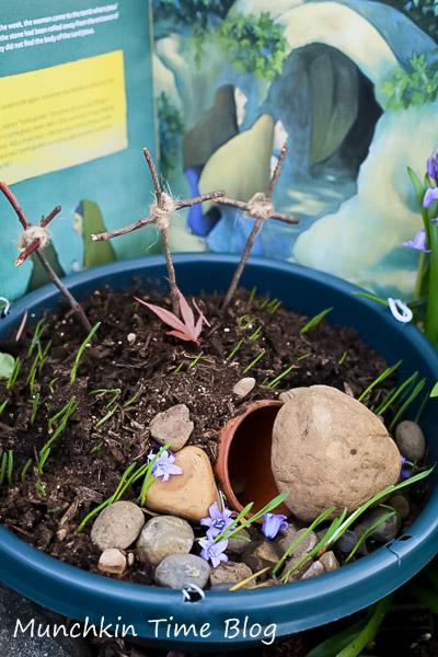 Easter Garden DIY Tutorial - Easter Activities for Kids  #easteractivitiesforkids