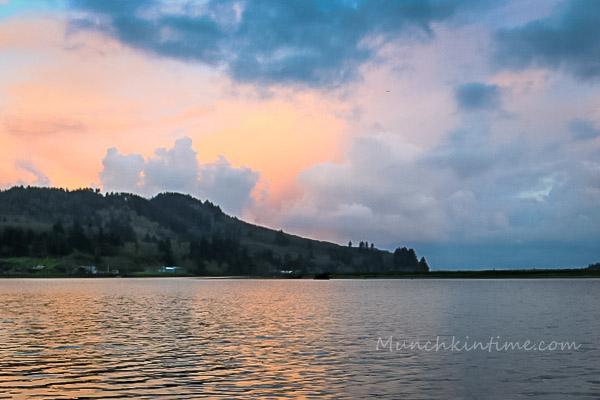 Wheeler Lodge at Oregon Coast by Munchkin Time Blog #PNW #wheeleroregon