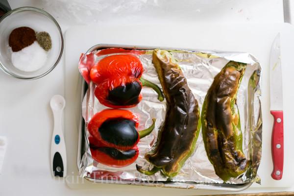 Oven Baked Alaskan Cod Parcels with Roasted Vegetables #codrecipe #dinnerrecipe www.munchkintime.com