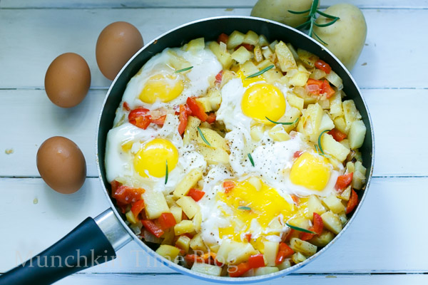 Simply Delicious Potato Hash and Eggs Breakfast Recipe #potatohash #breakfastrecipe http://www.munchkintime.com/Simply Delicious Potato Hash and Eggs Breakfast Recipe #potatohash #breakfastrecipe http://www.munchkintime.com/
