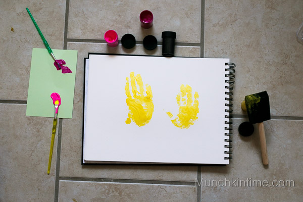 Handprint Art from www.munchkintime.com-5