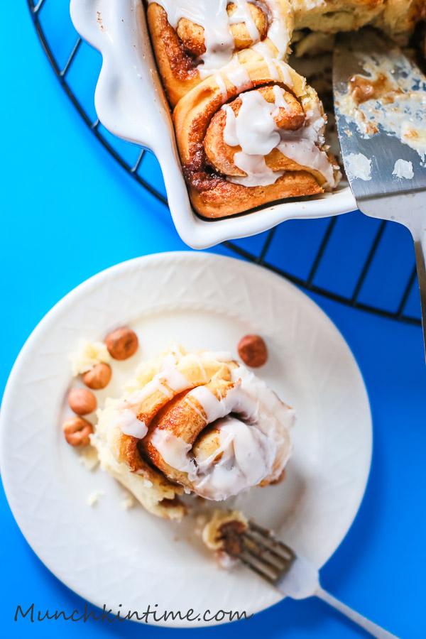 Easy 1 Hour Cinnamon Rolls Recipe - www.munchkintime.com