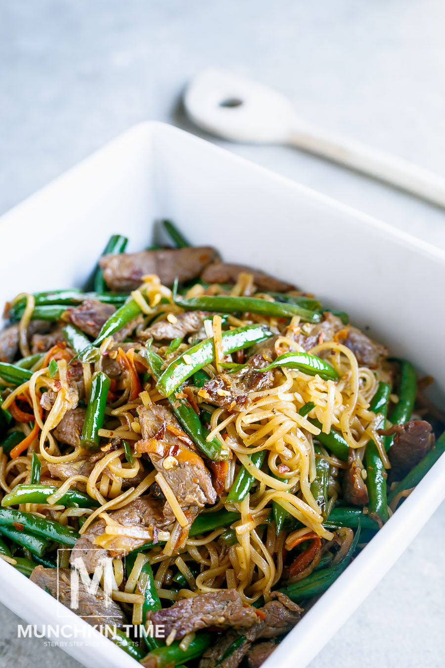 30 Minute Gluten-Free Beef Lo Mein Recipe (Video Inside) - Munchkintime.com