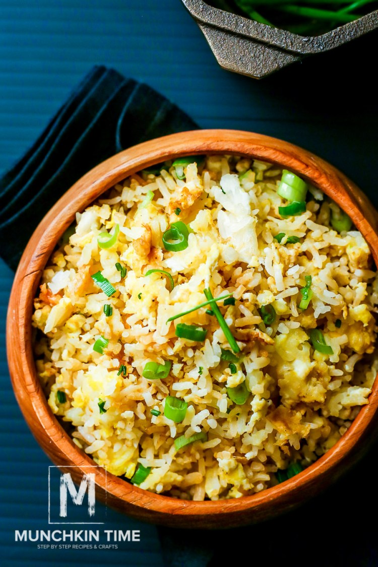 Easy Fried Rice Recipe with Green Onion - so easy and super delicious, perfect sidedish for dinner or lunch.