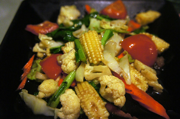 Fried-vegetables-with-oyster-sauce-(Pad-pa-ruam-mit)