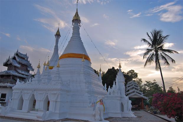 Templo-en-Mae-Hong-Son