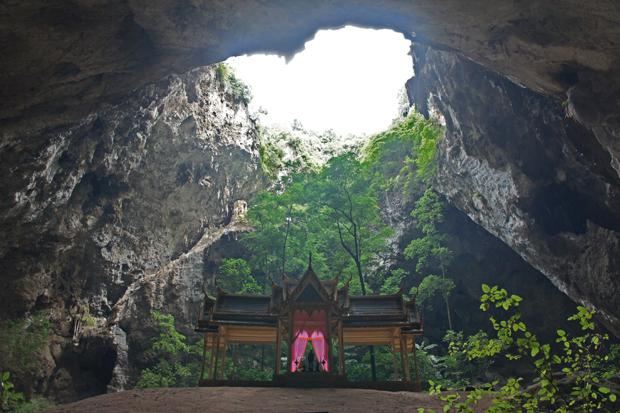 Templo-dentro-de-la-cueva