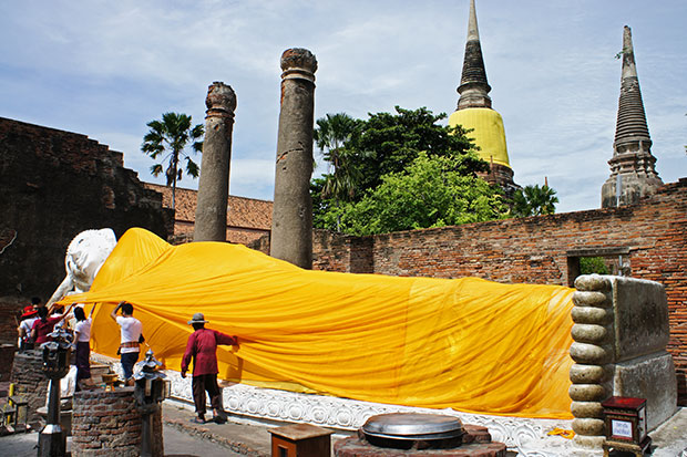 Buda-Reclinado-de-Ayutthaya
