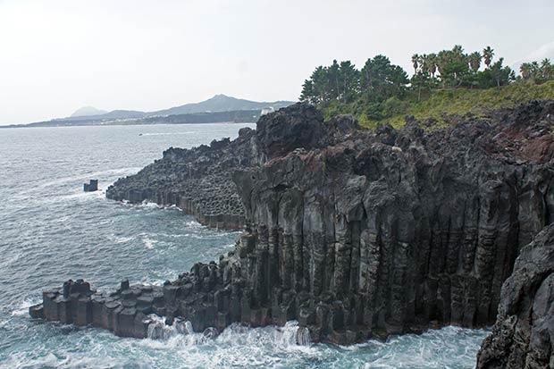 las famosas rocas Jusangjeolli Cliff