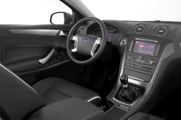 Ford-Mondeo-2011-09c