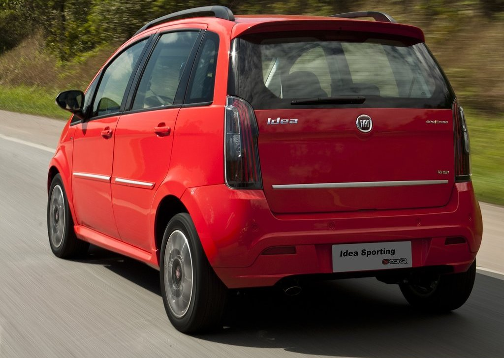 Fiat idea 2010 presentaci n oficial mundoautomotor for Consumo del fiat idea 1 4