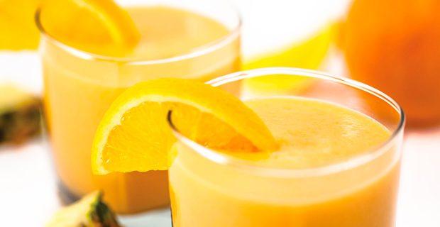 Suco de Abacaxi com Laranja 🍍 - Suco verde com água de côco