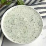 Molho de iogurte com pepino