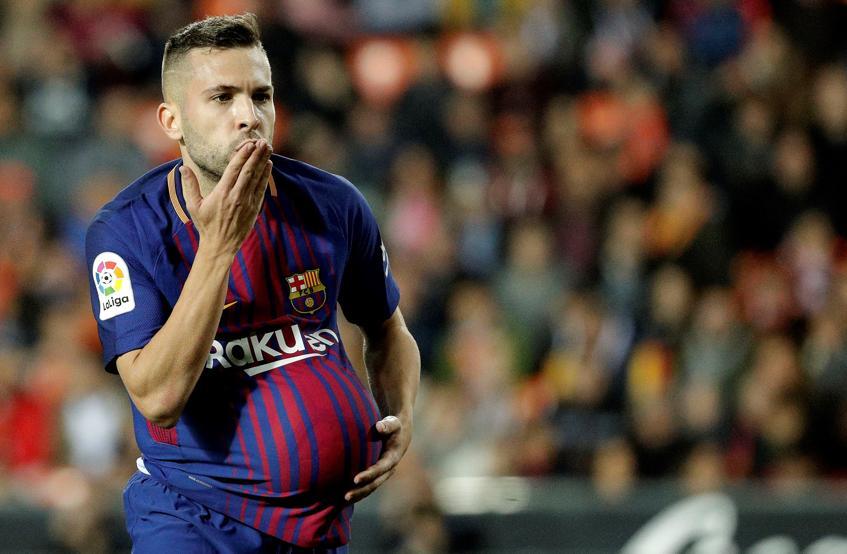 El defensa del FC Barcelona, Jordi Alba, celebra el primer gol del equipo blaugrana durante el encuentro .