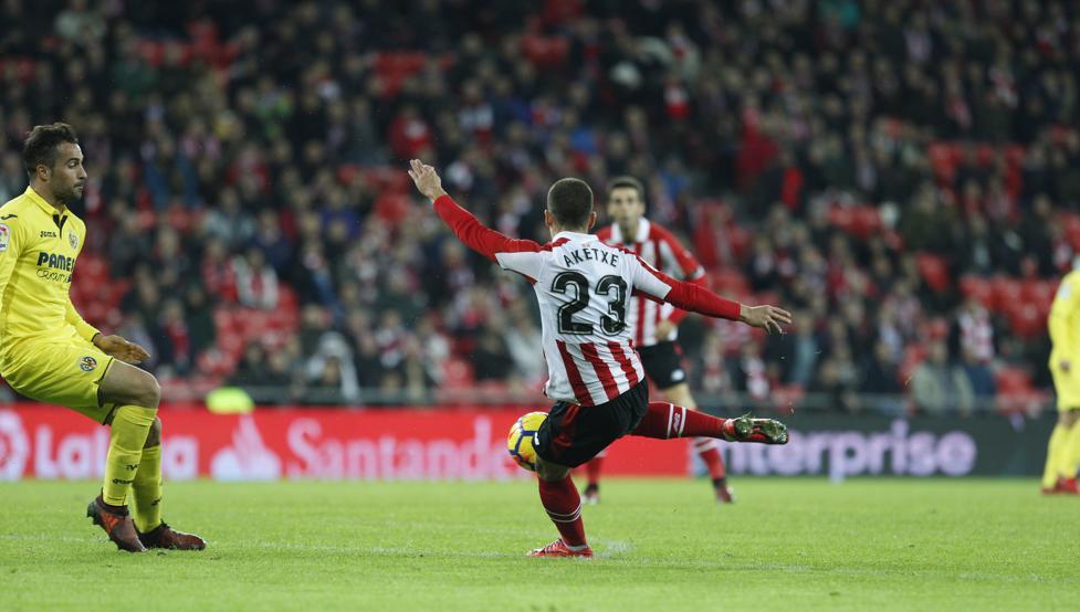 Aketxe rondó el gol en la última acción del partido frente al Villarreal.