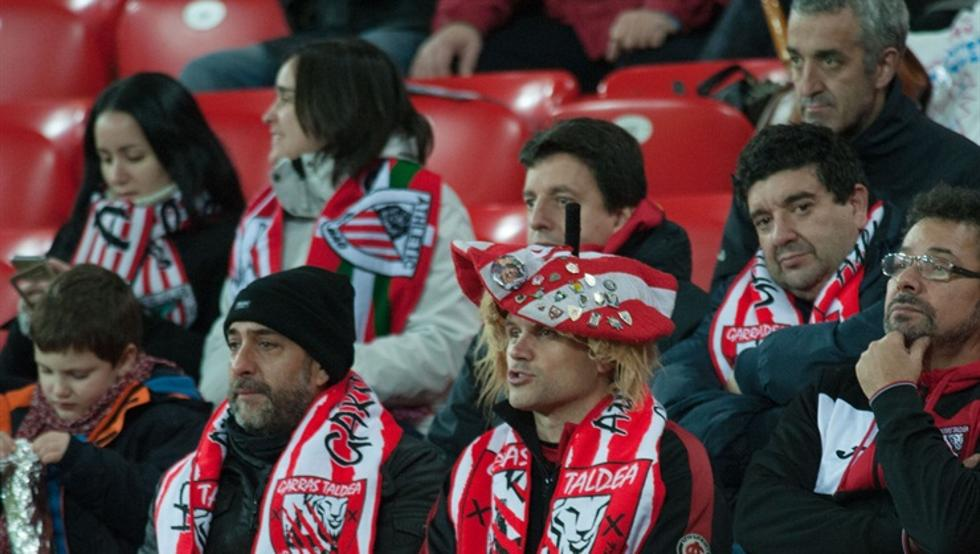 Unos catorce mil aficionados del Athletic asistieron en vivo al desastre ante el Formentera.