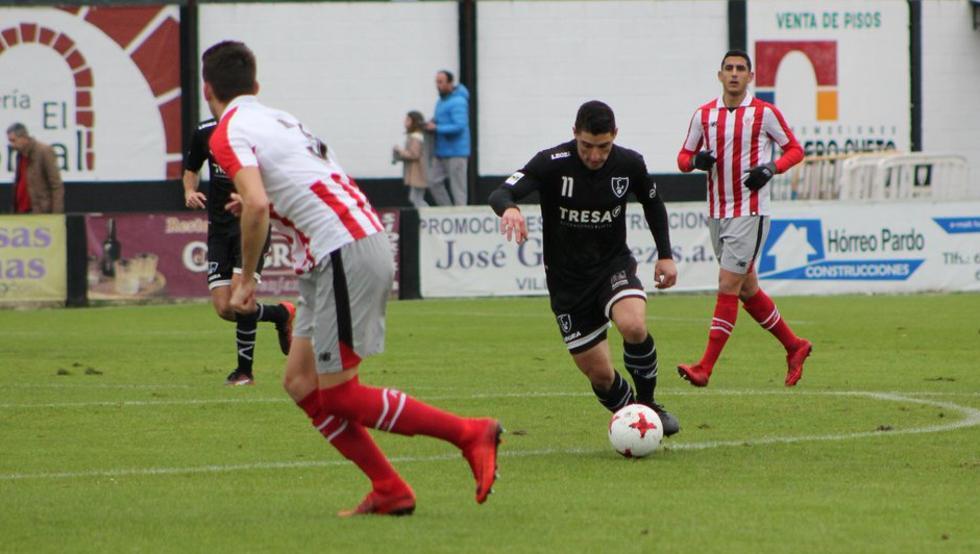 El Lealtad se midió al Bilbao Athletic en Villaviciosa en partido de Segunda B