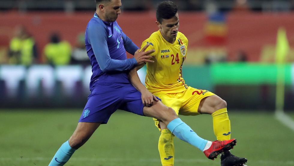 Cristian Ganea, durante un partido con la selección rumana