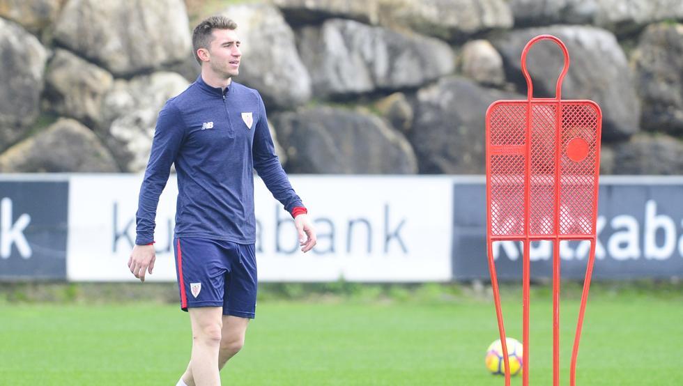 Laporte sigue entrenando con el Athletic, a la espera del pago de su cláusula por parte del City.