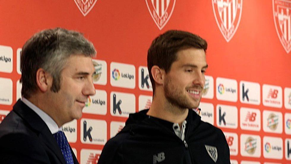 Iñigo Martínez ha sido presentado por el Athletic en San Mamés